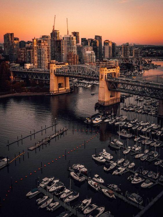 ویزای-توریست-کانادا